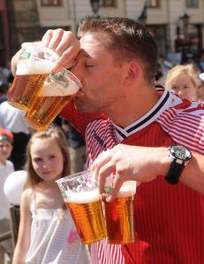 Football Fans drink beer-1709748